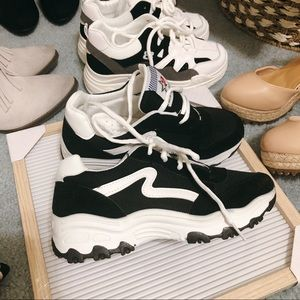 Shoes - ClearOut Sneaker
